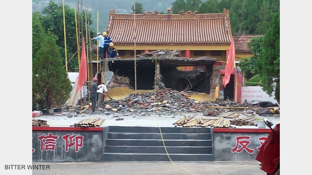 The giant Buddha statue at Jiushan Park has been completely demolished