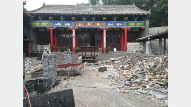 Only the main hall of the Yaochi Palace temple remains after its demolition.