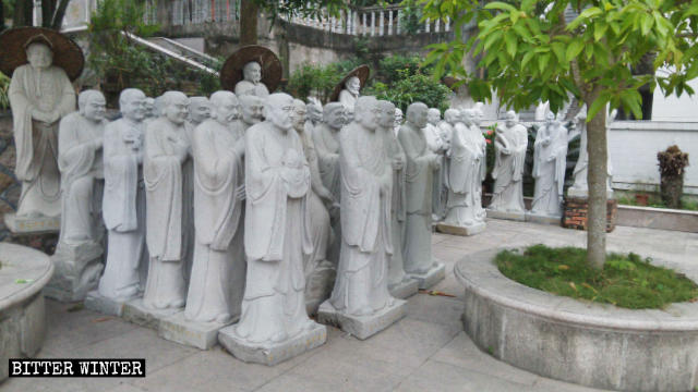 Arhat statues aggregated together