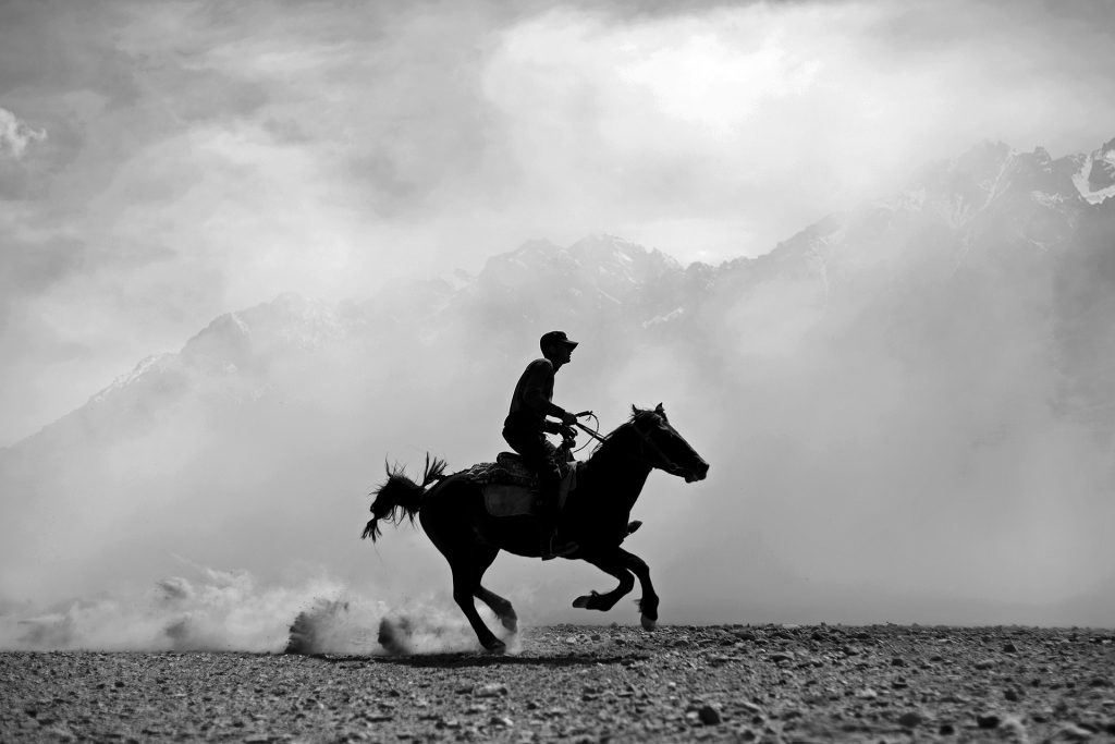 A knight riding at the border of Pamir.
