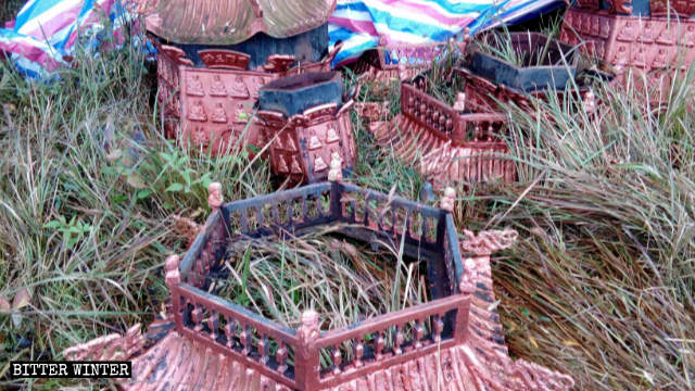 Xifeng Temple's incense burners are destroyed
