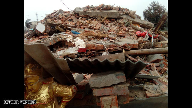 Hongshan Temple is left in ruins.