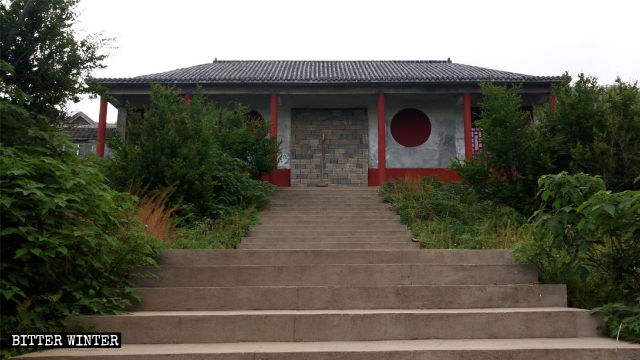 Sanhuangmang Temple has been sealed off