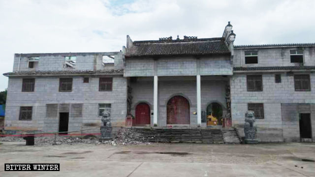 After renovations, Shushan Temple doesn't look like a place of worship.